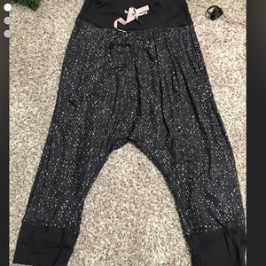 Cropped Lulu lemon joggers size 4 or 6
